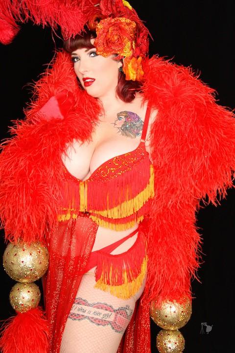 Appel Angel boobs burlesque